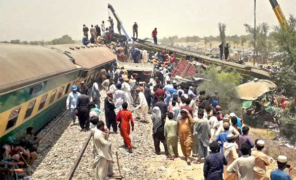 The Millat Express was heading from Karachi when it derailed, and its carriages ended up on the track carrying the Rawalpindi train.