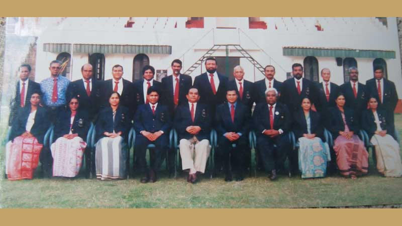 The first set of officials of the KDSDF. President, General Anuruddha Ratwatte is seated fifth from left. Pic by Upananda Jayasundera, Kandy Sports Special Corr