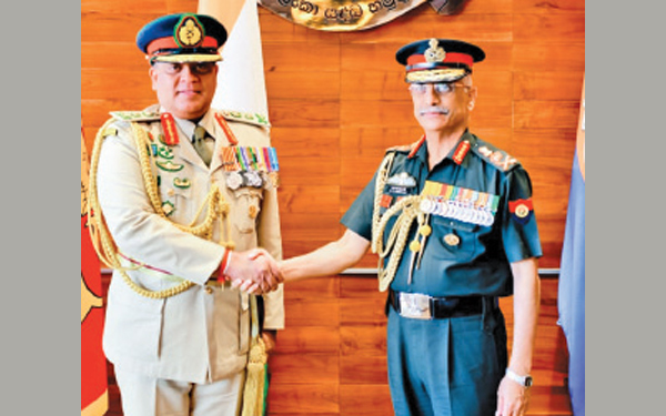 General Shavendra Silva, Chief of Defence Staff and Commander of the Army receiving Chief of Army Staff of the Indian Army General Manoj Mukund Naravane at the Army Headquarters on Wednesday.