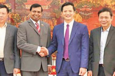 Ambassador of Sri Lanka to Viet Nam Prasanna Gamage who visited Viet Nam's Bac Ninh Province being welcomed by  Vice Chairman of the People's Committee of Bac Ninh Province Dr. Vuong Quoc Tuan and other senior officials of the Provincial Government.