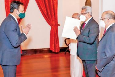 The newly appointed Bangladesh High Commissioner to Sri Lanka Tareq Md.Ariful Islam presented his credentials to President Gotabaya Rajapaksa at President's House in Colombo yesterday morning. Picture courtesy President's Media Division