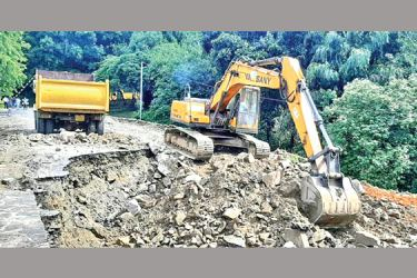 Reconstruction work carried out the sinkhole which occurred on the stretch of road near the Kothmale Dam