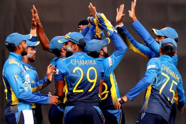 Sri Lanka cricketers came to an amicable  settlement over the  player-contract issue