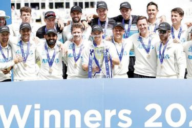 New Zealand Team celebrates with the Trophy