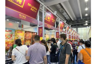 The Sri Lanka country pavilion at the 17th China International Small and Medium Enterprises Fair (CISMEF) in Guangzhou, China attracted a large number of visitors.