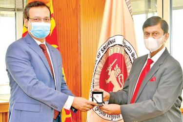 Governor Central Bank Ajith Nivard Cabraal meets Bangladesh High Commissioner to Sri Lanka Tareq Md Ariful Islam. Strengthening economic ties and greater utilization of Colombo Port for Bangladesh came under discussion during the meeting.