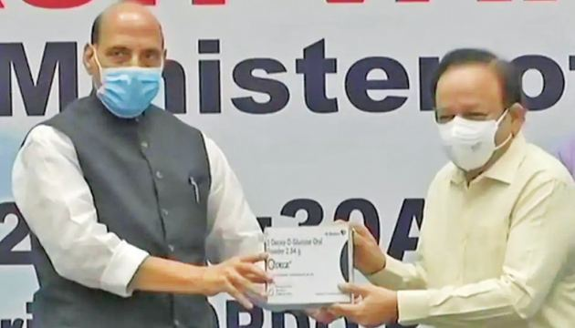 Union Defence Minister Rajnath Singh and Union Health Minister Dr Harsh Vardhan on Monday released the first batch of DRDO's anti-COVID-19 drug 2-DG or 2-deoxy-D-glucose. Dr Harsh Vardhan said that the drug will reduce recovery time and oxygen dependency.