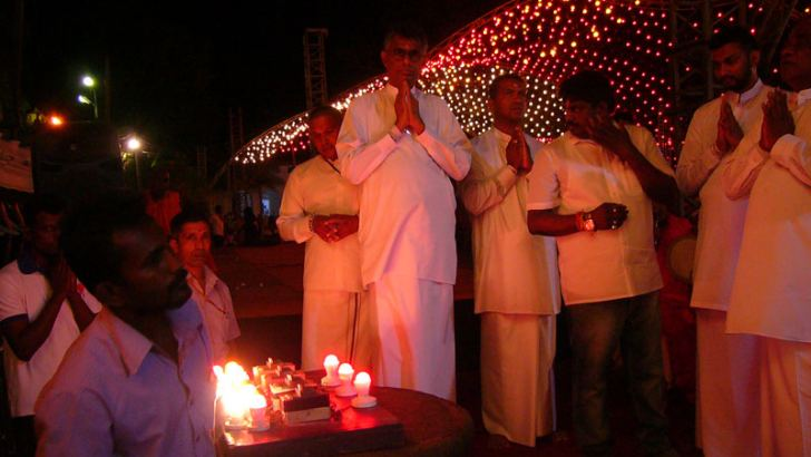 Minister Patali Champika Ranawaka participating a religious observance at Kataragama. Picture by M.Nelson Piyaratne