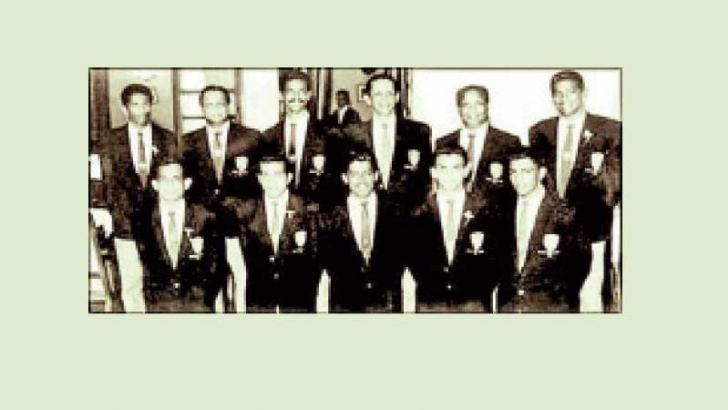 Bertie Ekanayake (third from left in the back row) with the Ceylon Boxing Team that toured India and Pakistan in 1963