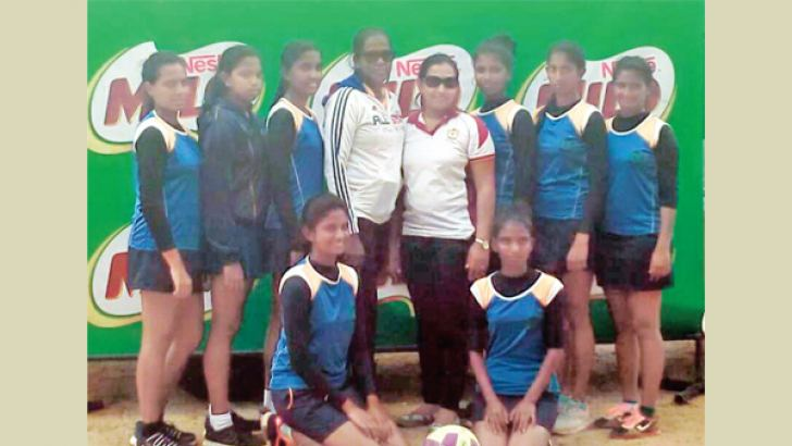 Mahinda Rajapaksa Vidyalaya, Homagama netball team which participated in the Milo under 19 All Island Girls Tournament 2019, The team posed for a photograph after playing a match of the tournament. (Dilwin Mendis, Moratuwa Sports Special Correspondent)