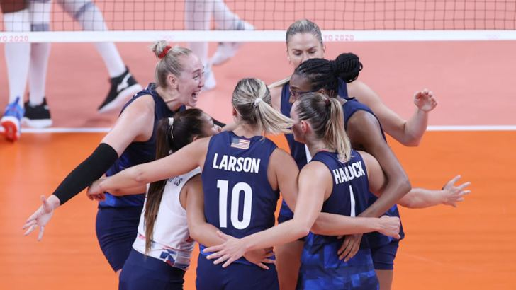 USA Volleyball Team  celebrate a point